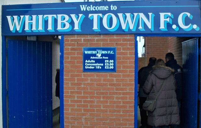 Whitby Town, come la Sampdoria nei colori, senza dimenticare Dracula