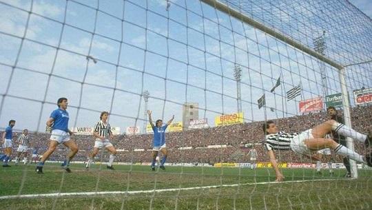 Juventus – Napoli 1-3, lo scalpo di Torino e gli azzurri volano verso primo scudetto