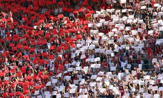 Le maglie ritirate nel calcio in onore dei tifosi