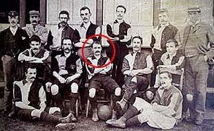 Charles Miller nella foto di squadra