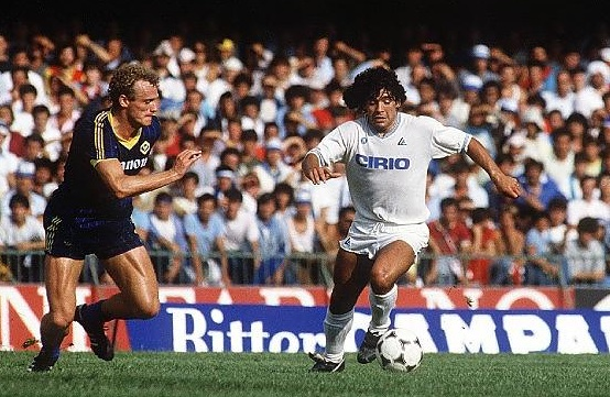 Verona-Napoli: il debutto (infelice) di Maradona nella serie A