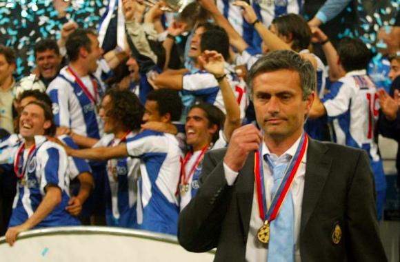 Mourinho: da Van Gaal (vice) a Van Gaal (al suo posto) passando per Porto