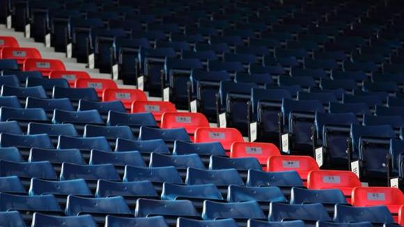 WBA, per il match contro il Liverpool, sedie rosse in ricordo di Hillsborough