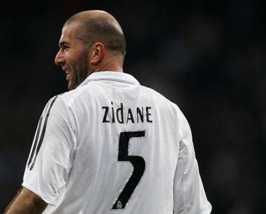 Zidane, la stella a metà che ebbe il 5 e non il 10 di maglia