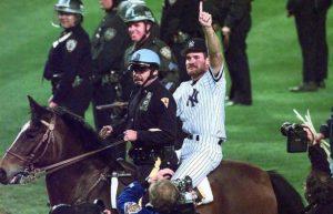 Wade Boggs festeggia le World Series a cavallo