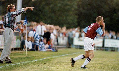 Steve Davies esordisce sotto lo sguardo di harry redknapp