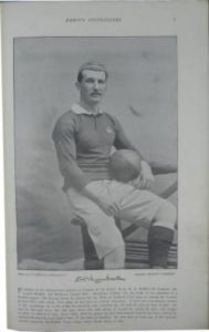 alcock in una foto in divisa