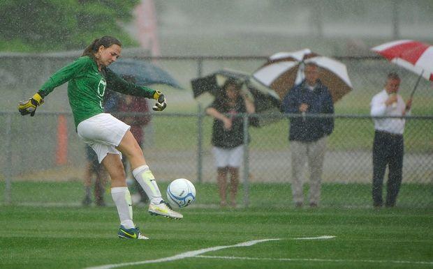 soccer-rain-portiere