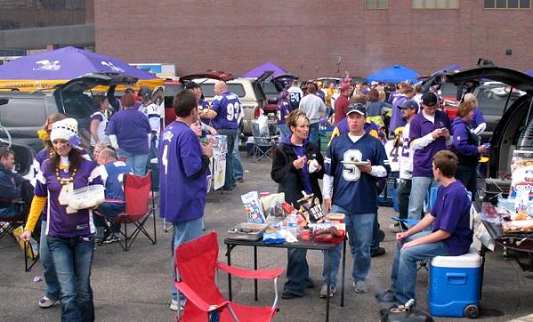 Cosa significa tailgate, il party prima delle partite di football americano