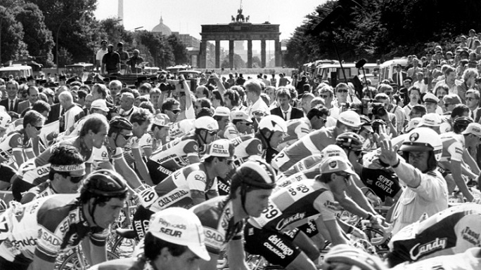 Quando il Tour de France passò vicino al Muro di Berlino