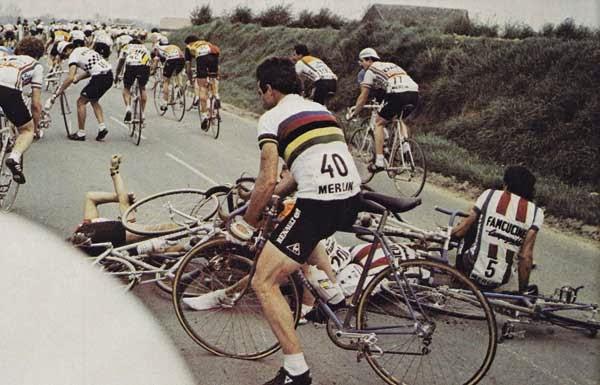 Paris-Roubaix-1981-hinault-caduta
